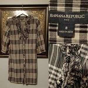 Banana Republic plaid cream black ruffle dress 8